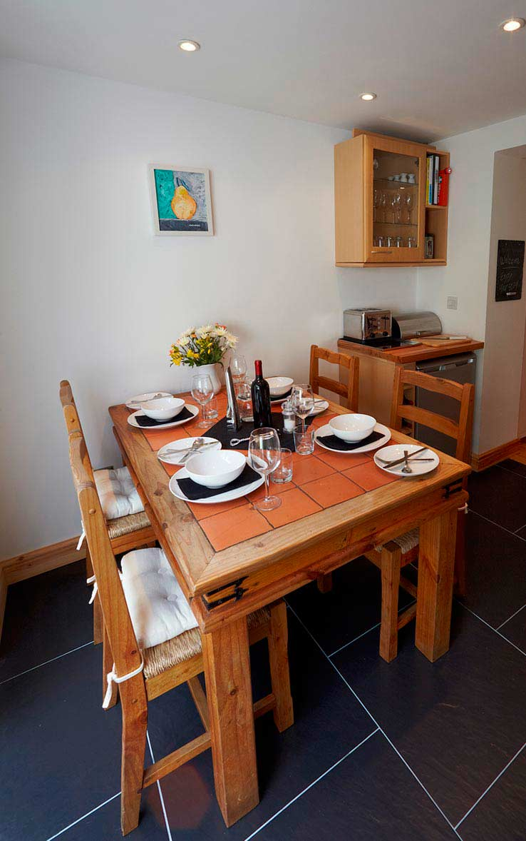 Well equipped kitchen at Sorgente Cornish holiday cottage